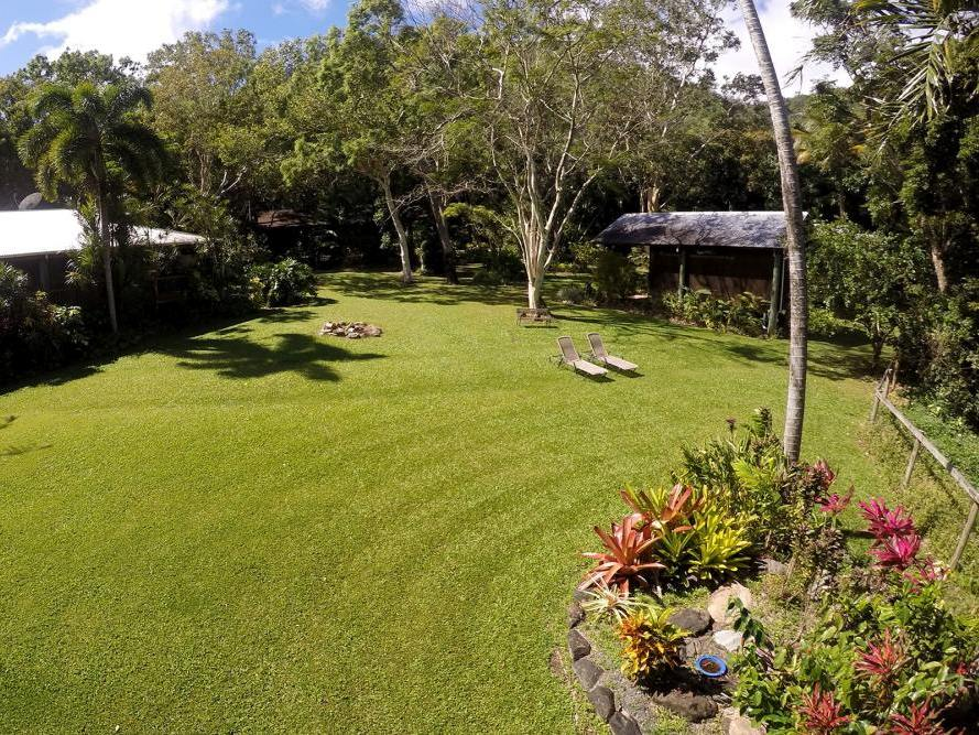 Garten, Mungumby Lodge, Cooktown, Australien Rundreise