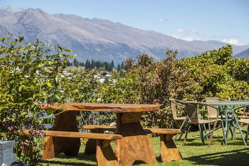 Neuseeland Rundreise, Queenstown, Coronet View Deluxe B&B and Apartments, Garten